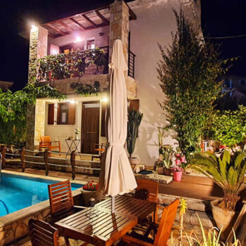 Cactus Villa, absolutely stunning, with a view to the sea, in the most quiet part of Sivota